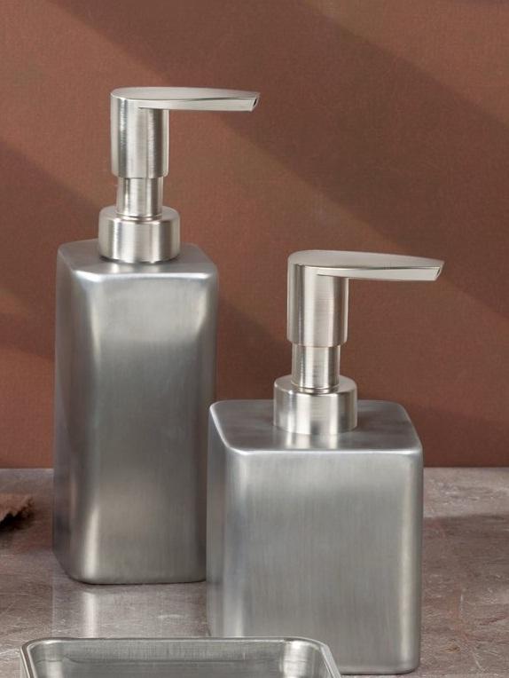 Bình đựng dầu gội, sữa tắm Gia SS Interdesign (tall)