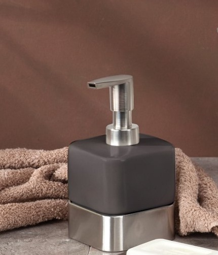 Bình đựng dầu gội, sữa tắm Gia Cocoa Interdesign (short)