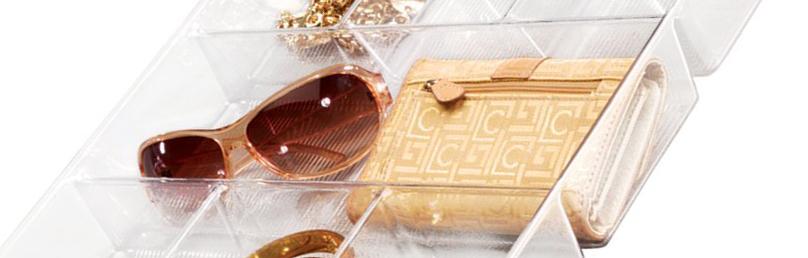 Gồm 1 ngăn lớn ở giữa để đồ kích thước lớn: ví, kính mắt, đồng hồ,...