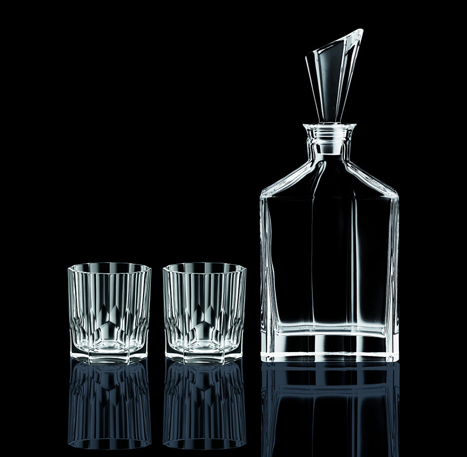 bộ 2 ly rượu và 1 bình rượu pha lê sang trọng, thích hợp làm quà tặng