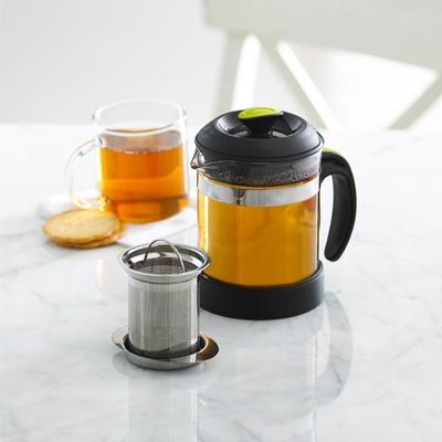 Bình trà lọc Trudeau giúp bạn thưởng thức trà mọi lúc mọi nơi